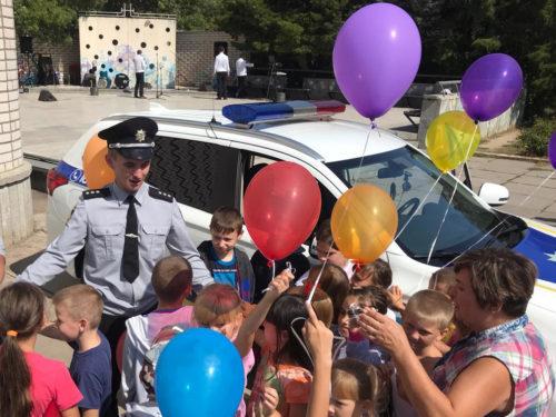 Сюрпризи дітям Херсонщини від ювенальної поліції