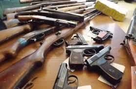 Поліція закликає херсонців здати зброю