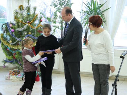 Учні ШГП влаштували святкову програму дітям Захисників України
