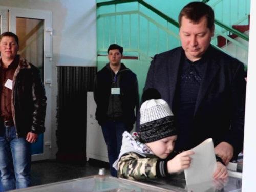 Очільник області  віддав свій голос за продовження європейського курсу України