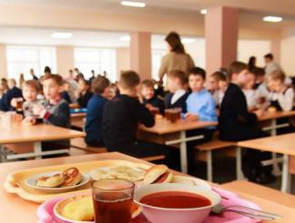 Суперечка у міськраді: що їстимуть діти у школах?