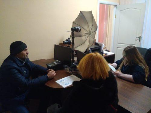 За минулий рік на Херсонщині майже 1400 іноземців та осіб без громадянства оформили біометричні посвідки на проживання в Україні