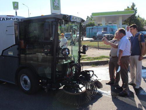 Професійну техніку для прибирання сміття презентували у Херсоні