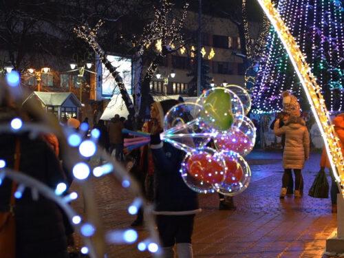 Уряд послабив у новорічну ніч карантинні обмеження, які діють з 19 грудня 2020 року на всій території України