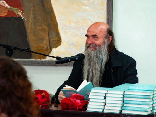 Духовна поезія отця Авеля пролунала в стінах Херсонського художнього музею імені Шовкуненка