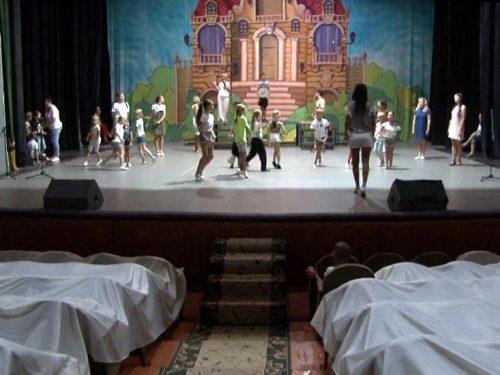 До 30-го ювілейного Дня знань школа гуманітарної праці готує креативну театральну постановку