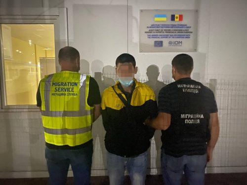 Видворено іноземця внаслідок порушення міграційного законодавства України